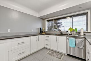 Photo 8: 5036 Lochside Dr in : SE Cordova Bay House for sale (Saanich East)  : MLS®# 858478