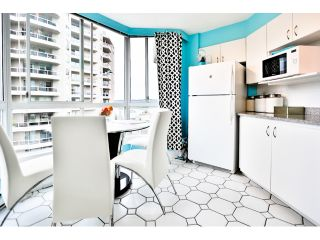 """Photo 12: 904 1235 QUAYSIDE Drive in New Westminster: Quay Condo for sale in """"THE RIVIERA"""" : MLS®# V1139039"""