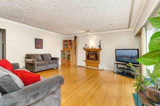 Photo 3: 2496 E 19TH Avenue in Vancouver: Renfrew Heights House for sale (Vancouver East)  : MLS®# R2492471
