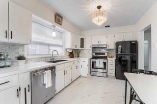 Photo 11: 8 Dumbarton Road in Toronto: Stonegate-Queensway House (Bungalow) for sale (Toronto W07)  : MLS®# W5232182