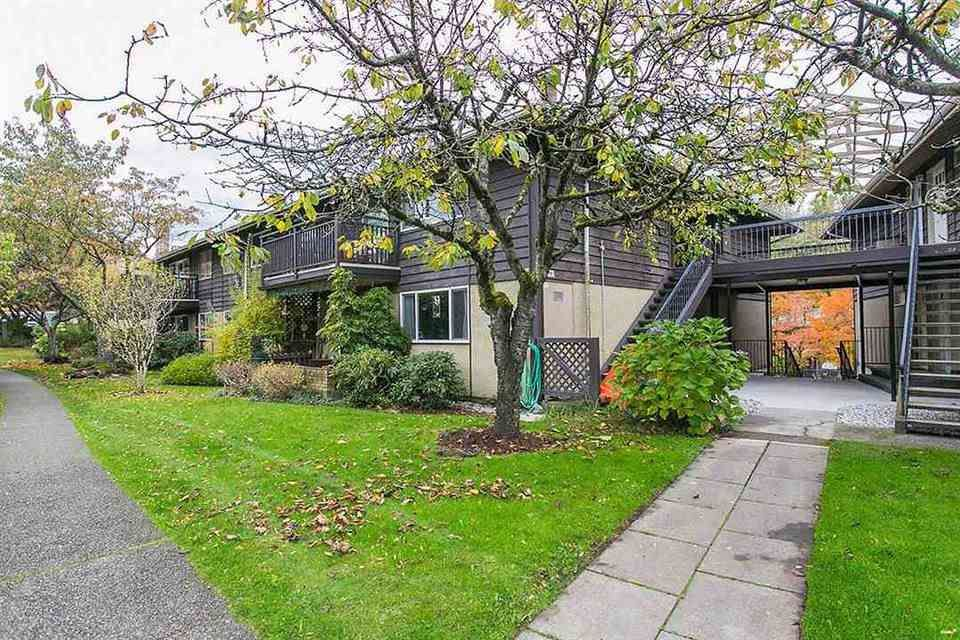 Main Photo: 504 555 W 28TH STREET in North Vancouver: Upper Lonsdale Condo for sale : MLS®# R2439534