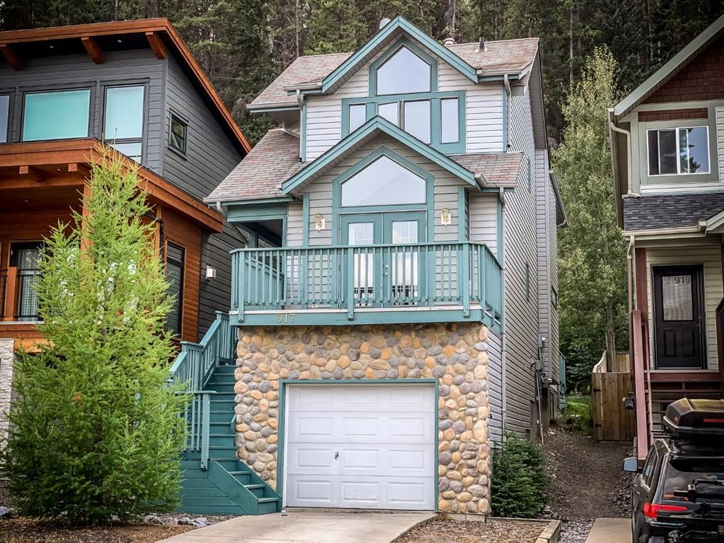 Main Photo: 917 Wilson Way: Canmore Detached for sale : MLS®# A1146764