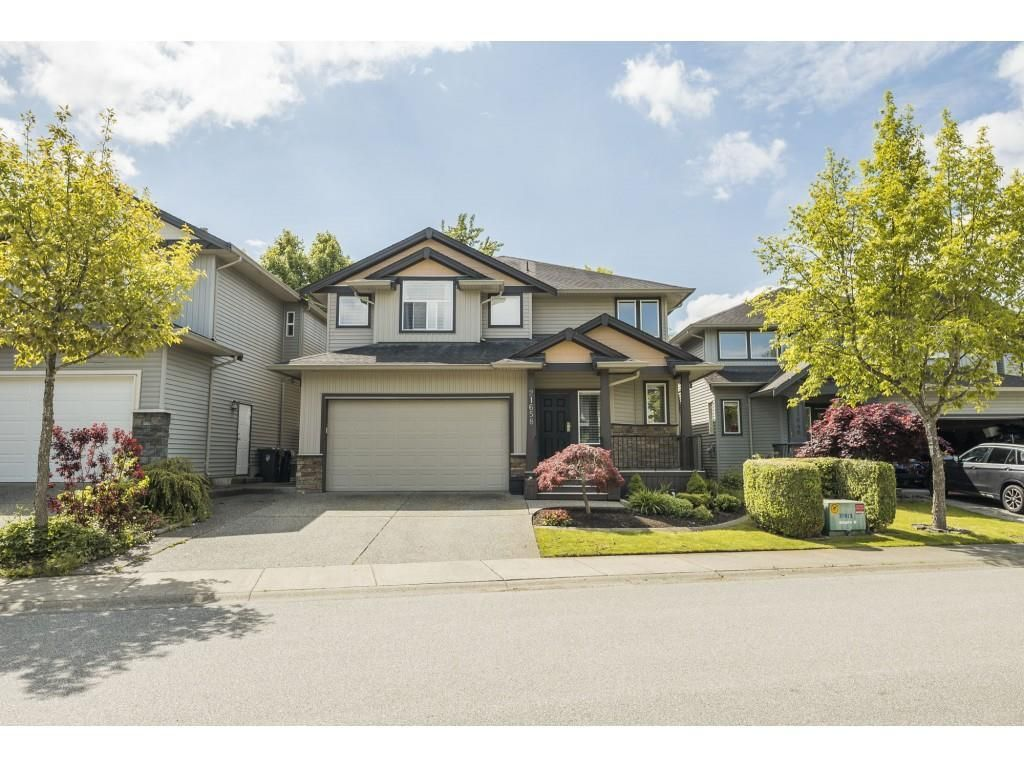 Main Photo: 21658 89TH AVENUE in Langley: Walnut Grove House for sale : MLS®# R2577877