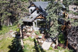 Photo 3: 1005 10th Street: Canmore Detached for sale : MLS®# A1142336