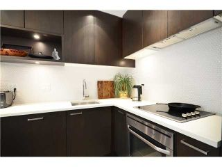 """Photo 8: 401 2550 SPRUCE Street in Vancouver: Fairview VW Condo for sale in """"SPRUCE"""" (Vancouver West)  : MLS®# V1032685"""