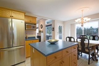 Photo 3: 441 NAISMITH Avenue: Harrison Hot Springs House for sale : MLS®# R2031703