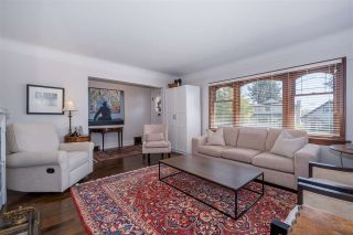 Photo 4: 458 E 11TH STREET in North Vancouver: Central Lonsdale House for sale : MLS®# R2453585