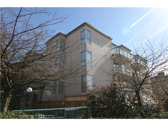 Main Photo: 205 2212 Oxford Street in Vancouver: Hastings Condo for sale (Vancouver East)  : MLS®# V997653