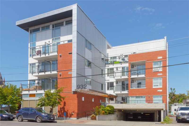 FEATURED LISTING: 304 - 932 Johnson St