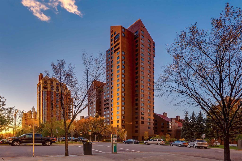 Main Photo: 1302A 500 Eau Claire Avenue SW in Calgary: Eau Claire Apartment for sale : MLS®# A1041808