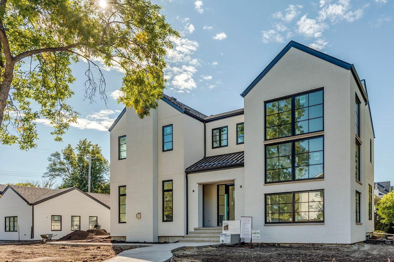 Main Photo: 13415 105 Avenue in Edmonton: Zone 11 House for sale : MLS®# E4261969