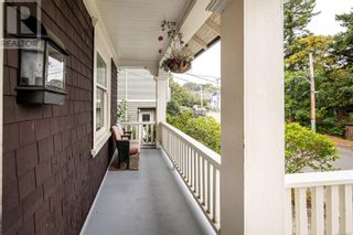 Photo 2: 2115 Chambers St in Victoria: House for sale : MLS®# 886401