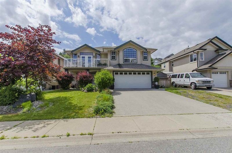 FEATURED LISTING: 45975 SHERWOOD Drive Chilliwack