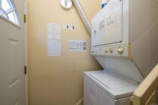 Photo 16: 1277/1279 Haultain St in : Vi Fernwood Full Duplex for sale (Victoria)  : MLS®# 879566
