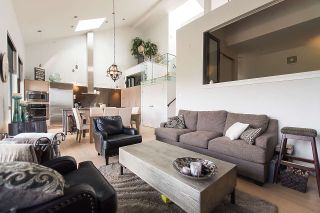 """Photo 2: 401 220 SALTER Street in New Westminster: Queensborough Condo for sale in """"GLASSHOUSE LOFTS"""" : MLS®# R2159431"""
