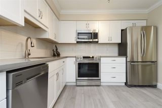 """Photo 7: 304 1459 BLACKWOOD Street: White Rock Condo for sale in """"CHARTWELL"""" (South Surrey White Rock)  : MLS®# R2393628"""
