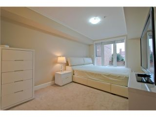 Photo 4: 206 2103 W 45th Avenue in Vancouver: Kerrisdale Condo for sale (Vancouver West)  : MLS®# V1035439