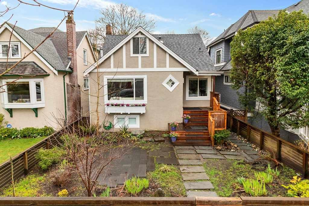 Main Photo: 72 W 20TH Avenue in Vancouver: Cambie House for sale (Vancouver West)  : MLS®# R2556925