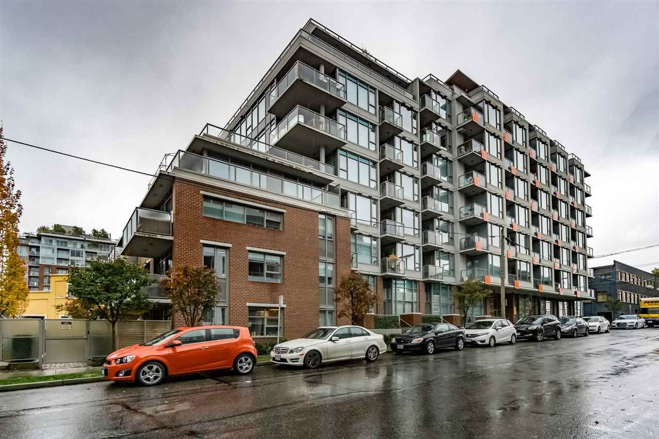 """Main Photo: 705 250 E 6TH Avenue in Vancouver: Mount Pleasant VE Condo for sale in """"THE DISTRICT"""" (Vancouver East)  : MLS®# R2118672"""