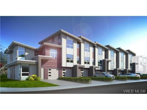 Main Photo: 913 Whirlaway Cres in VICTORIA: La Florence Lake Row/Townhouse for sale (Langford)  : MLS®# 723406