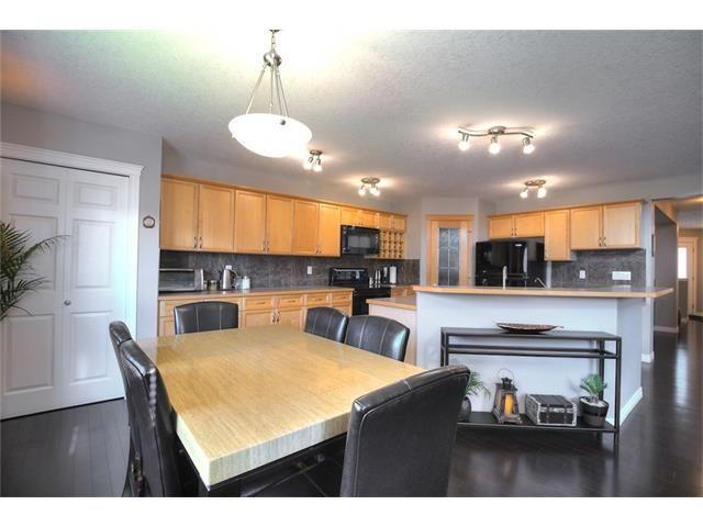 Photo 27: Photos: 30 EVERHOLLOW Heath SW in Calgary: Evergreen House for sale : MLS®# C4068362