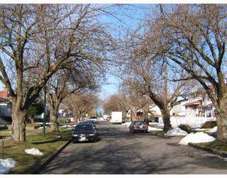 "Photo 3: 5955 MCKINNON Street in Vancouver: Killarney VE House for sale in ""KILLARNEY"" (Vancouver East)  : MLS®# V749160"