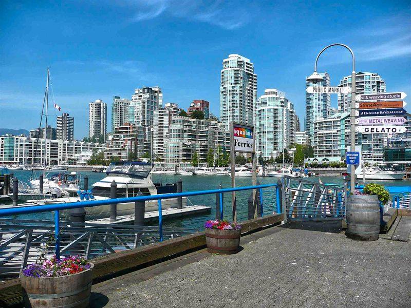 FEATURED LISTING: 203 - 1365 4TH Avenue West Vancouver