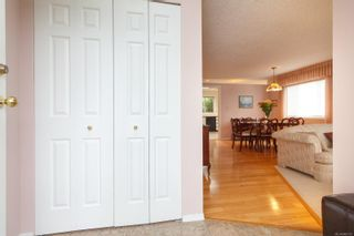 Photo 5: 3 10101 Fifth St in Sidney: Si Sidney North-East Row/Townhouse for sale : MLS®# 860151