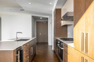 Photo 10: 4304 10360 102 Street in Edmonton: Zone 12 Condo for sale : MLS®# E4220918