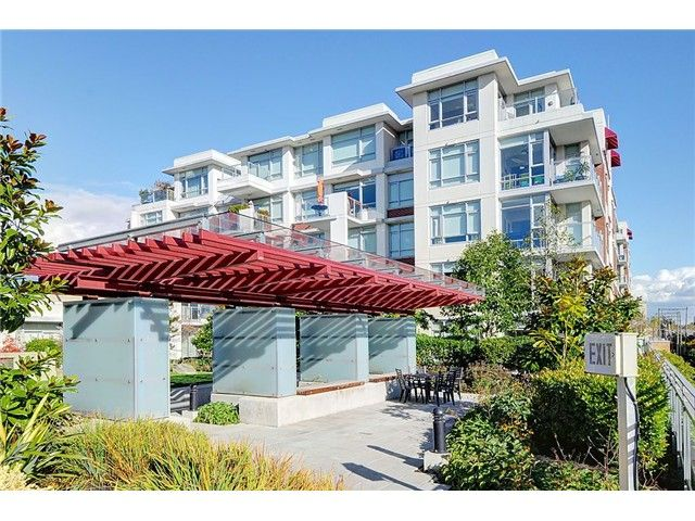 "Main Photo: 708 2228 W BROADWAY in Vancouver: Kitsilano Condo for sale in ""THE VINE"" (Vancouver West)  : MLS®# V1010662"