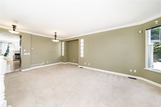 """Photo 5: 8693 206B Street in Langley: Walnut Grove House for sale in """"Discovery Town"""" : MLS®# R2479160"""