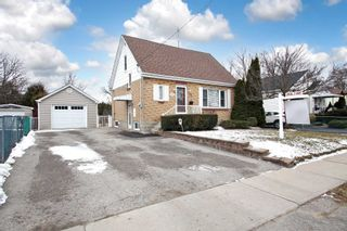 Photo 2: Upper 115 W Beatrice Street in Oshawa: Centennial House (1 1/2 Storey) for lease : MLS®# E5145346