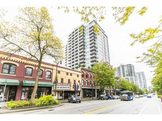 "Photo 1: 1906 668 COLUMBIA Street in New Westminster: Quay Condo for sale in ""TRAPP & HOLBROOK"" : MLS®# R2575378"