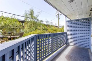 "Photo 4: 105 315 E 3RD Street in North Vancouver: Lower Lonsdale Condo for sale in ""Dunberton Manor"" : MLS®# R2286632"