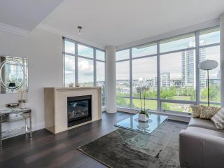 Photo 1: 803 428 BEACH Crescent in Vancouver: Yaletown Condo for sale (Vancouver West)  : MLS®# R2072146