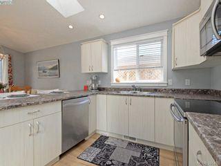 Photo 9: 19 7570 Tetayut Rd in SAANICHTON: CS Hawthorne Manufactured Home for sale (Central Saanich)  : MLS®# 786908