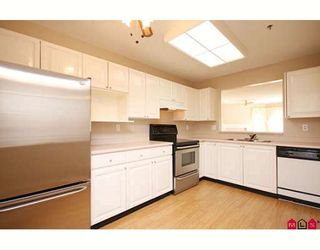 """Photo 2: 109 5955 177B Street in Surrey: Cloverdale BC Condo for sale in """"Windsor Place"""" (Cloverdale)  : MLS®# F2916723"""