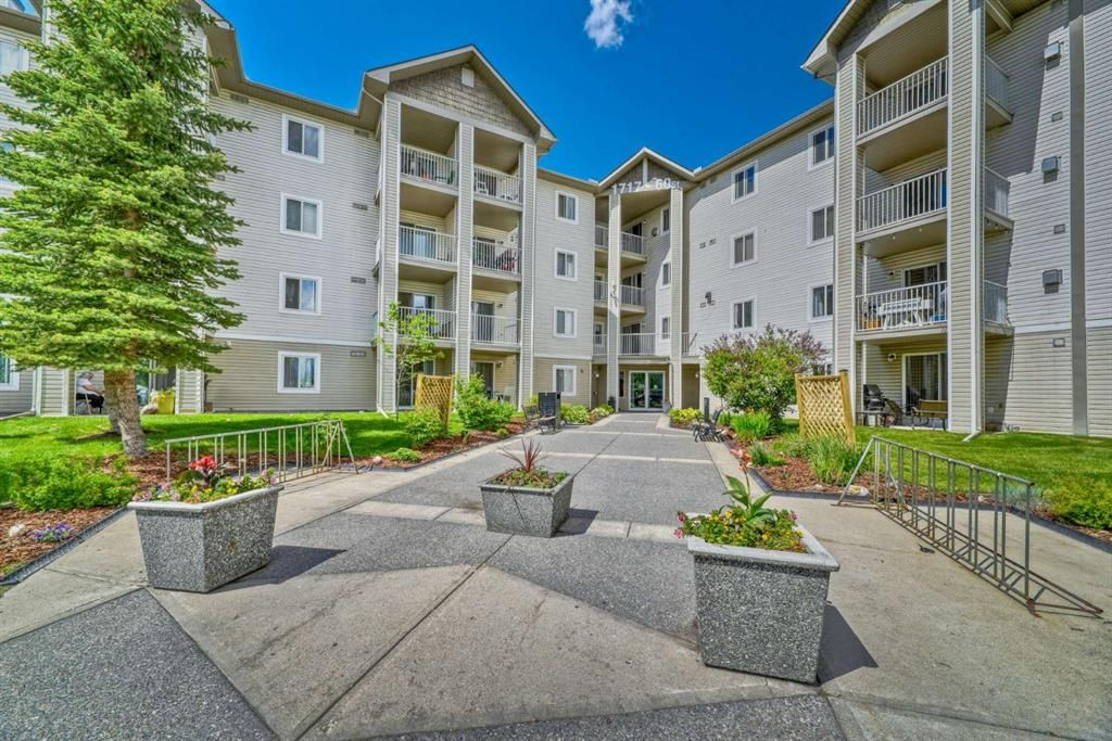Main Photo: 337 1717 60 Street SE in Calgary: Red Carpet Apartment for sale : MLS®# A1067174