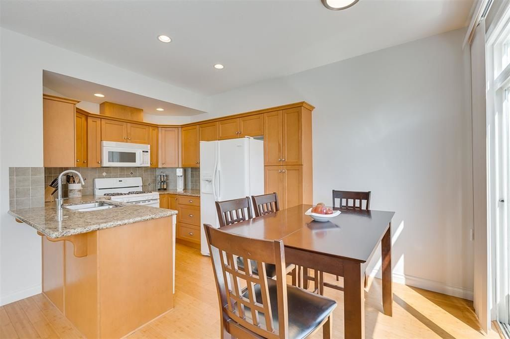 """Photo 4: Photos: 7014 179A Street in Surrey: Cloverdale BC Condo for sale in """"TERRACES AT PROVINCETON"""" (Cloverdale)  : MLS®# R2391476"""