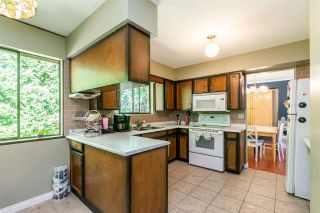 Photo 12: 8937 EDINBURGH Drive in Surrey: Queen Mary Park Surrey House for sale : MLS®# R2485380