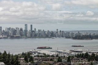 Photo 2: 501 1320 CHESTERFIELD Avenue in North Vancouver: Central Lonsdale Condo for sale : MLS®# R2163922