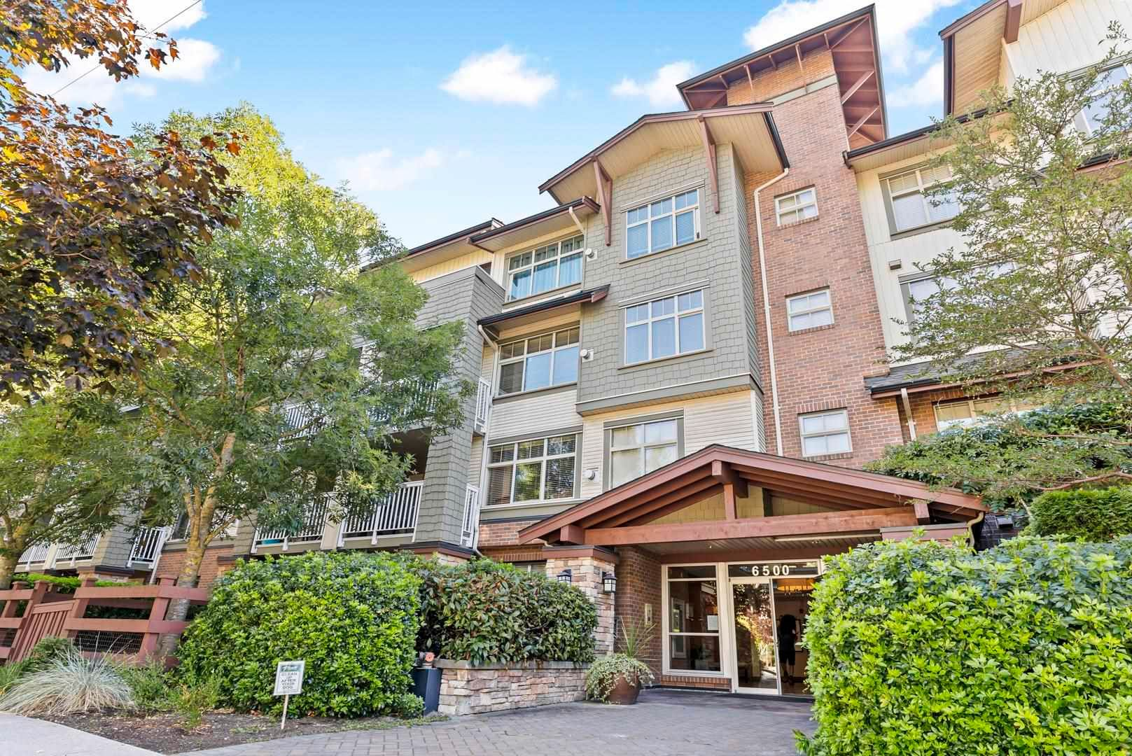 """Main Photo: 107 6500 194 Street in Surrey: Clayton Condo for sale in """"SUNSET GROVE"""" (Cloverdale)  : MLS®# R2605423"""