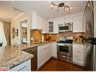 Photo 4: 409 15111 RUSSELL Avenue: White Rock Condo for sale (South Surrey White Rock)  : MLS®# F1214524