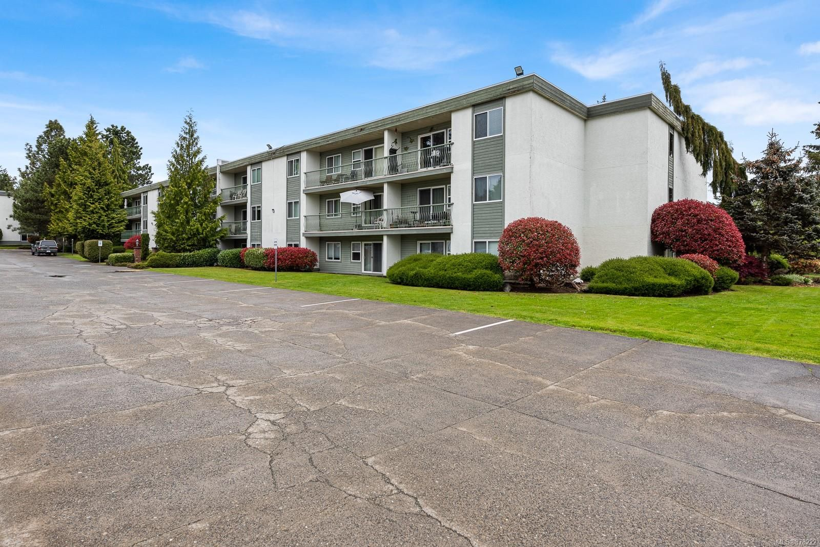 Main Photo: 305A 178 Back Rd in : CV Courtenay East Condo for sale (Comox Valley)  : MLS®# 878222