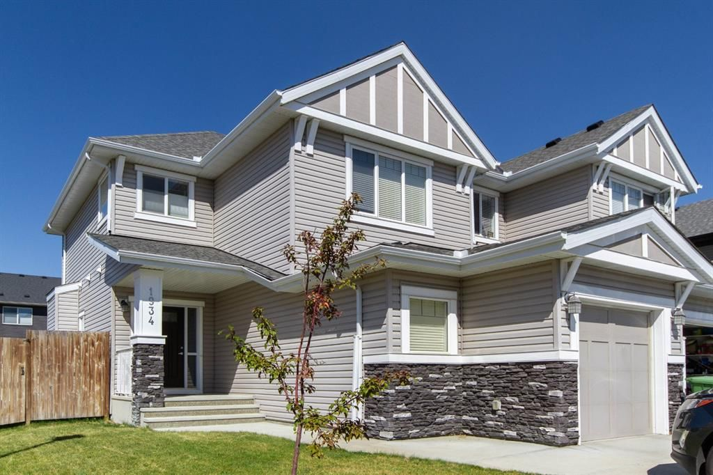 Main Photo: 1934 BAYWATER Alley SW: Airdrie Semi Detached for sale : MLS®# A1025806