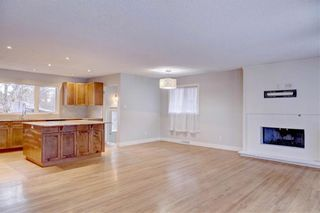 Photo 7: 611 WOODSWORTH Road SE in Calgary: Willow Park Detached for sale : MLS®# C4216444