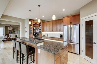 Photo 13: 279 Discovery Ridge Way SW in Calgary: Discovery Ridge Detached for sale : MLS®# A1063081