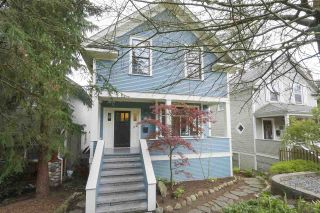 Photo 1: 231 E 29TH Street in North Vancouver: Upper Lonsdale House for sale : MLS®# R2364382