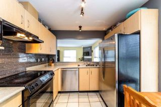 """Photo 8: 129 332 LONSDALE Avenue in North Vancouver: Lower Lonsdale Condo for sale in """"CALYPSO"""" : MLS®# R2295234"""