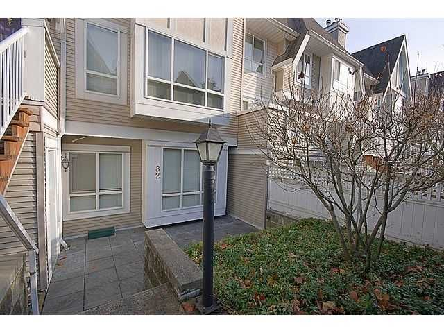 """Main Photo: 82 6588 SOUTHOAKS Crescent in Burnaby: Highgate Townhouse for sale in """"TUDOR GROVE"""" (Burnaby South)  : MLS®# V941099"""